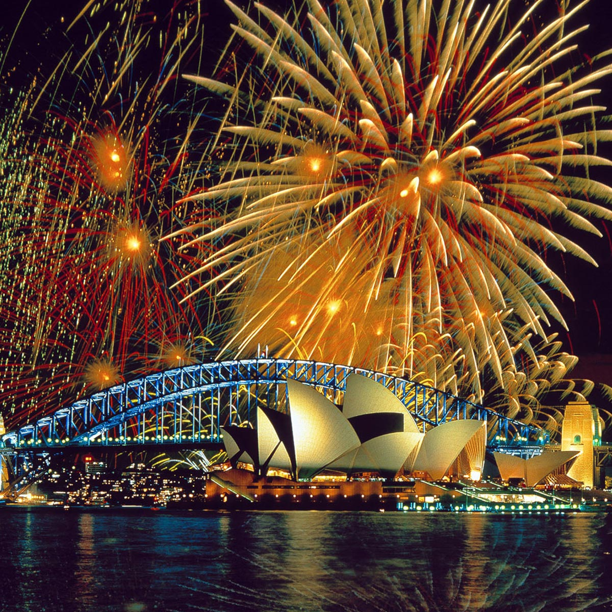 New Years Eve Yacht Party - Sydney Harbor | Aly Michaels